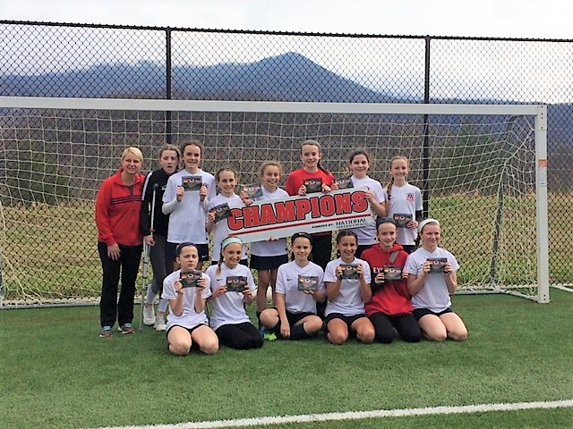 '06 Girls White Tops in Gatlinburg!