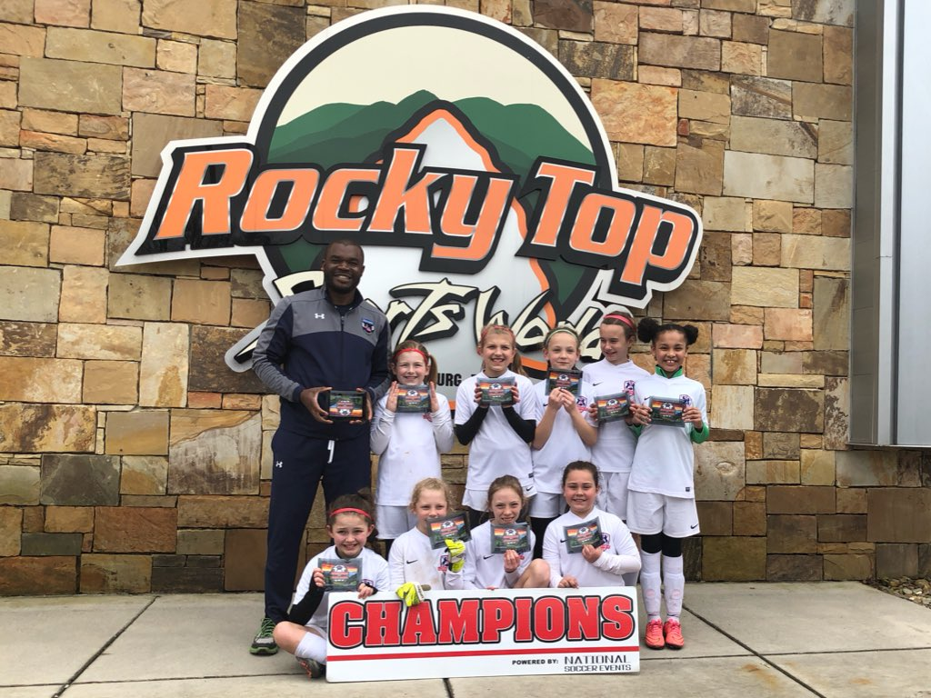 2008 Girls White Winners at Gatlinburg Classic!
